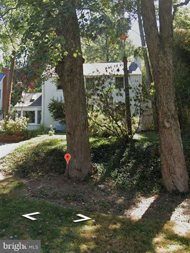 Photo of 5204 ROOSEVELT ST, BETHESDA, MD 20814 (MLS # MDMC713318)