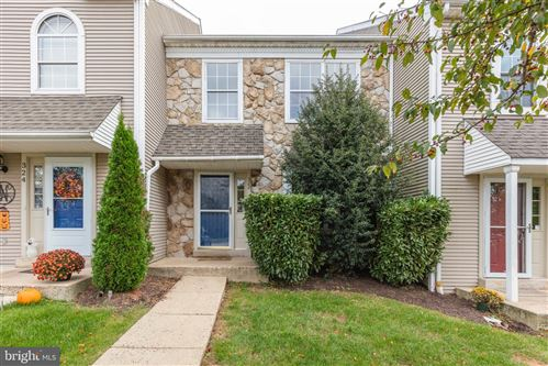 Photo of 322 COUNTRYSIDE CT, COLLEGEVILLE, PA 19426 (MLS # PAMC2014320)