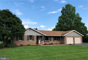 Photo of 11 GREEN ACRE RD, LITITZ, PA 17543 (MLS # PALA136326)