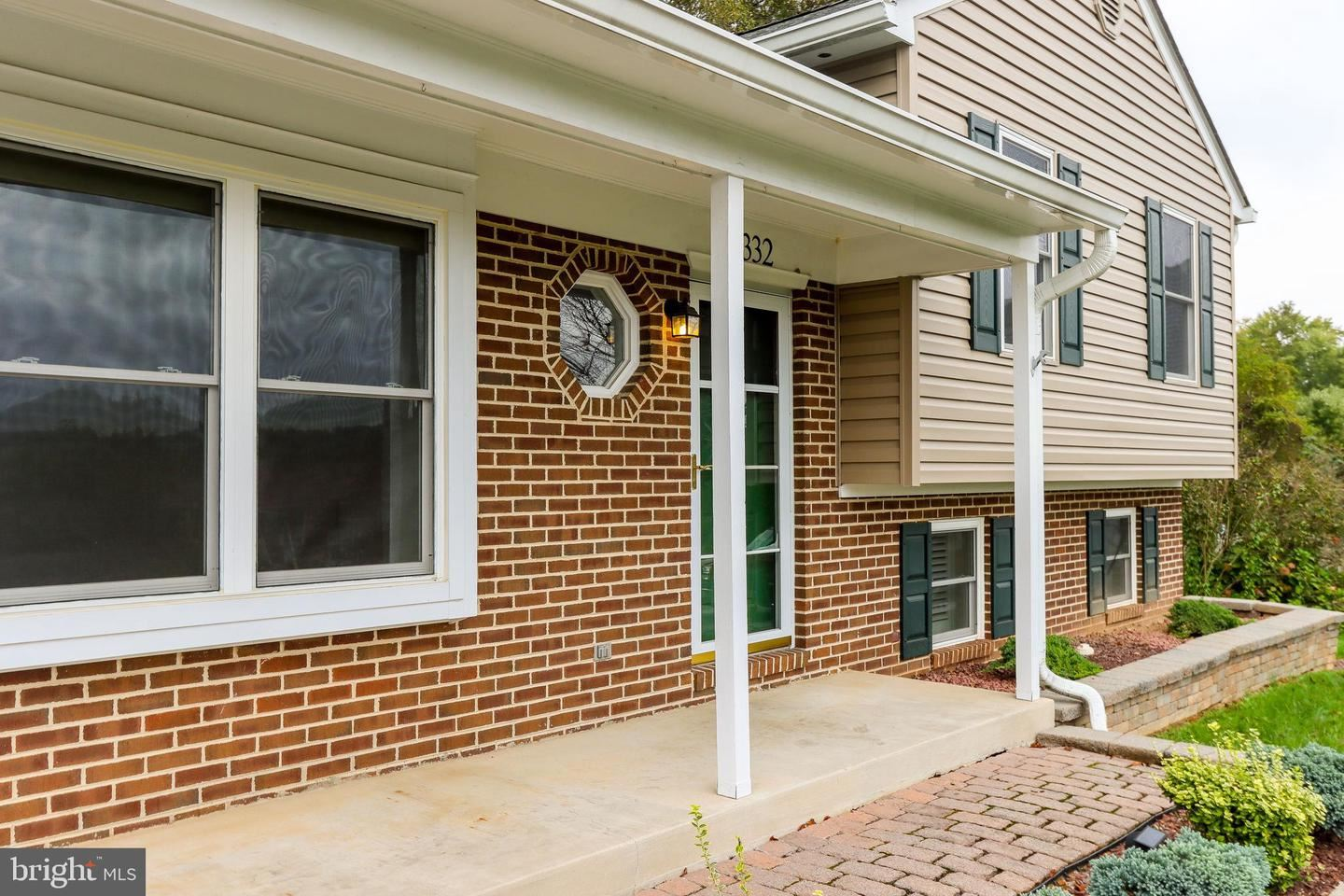 Photo of 3332 YORKSHIRE CT, ADAMSTOWN, MD 21710 (MLS # MDFR2000327)