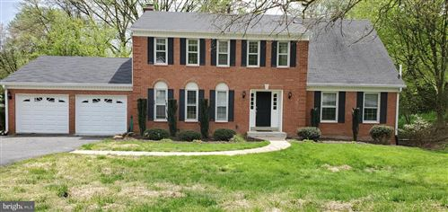 Photo of 10239 TAMARACK DR, VIENNA, VA 22182 (MLS # VAFX1120328)