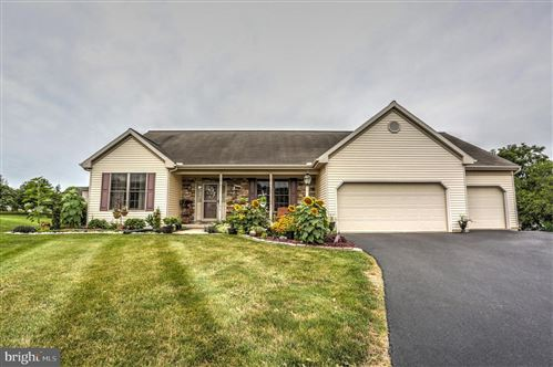 Photo of 617 SPRING HOLLOW DR, NEW HOLLAND, PA 17557 (MLS # PALA2003332)