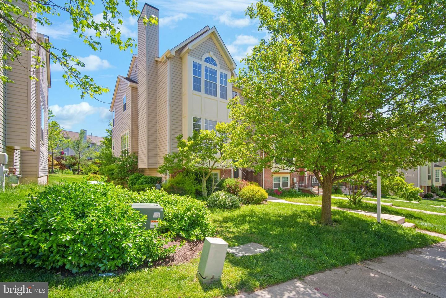 7665 BLUEBERRY HILL LN, Ellicott City, MD 21043 - MLS#: MDHW294332