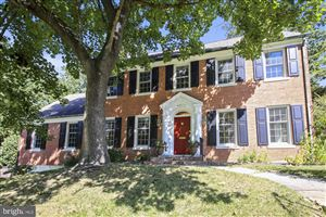 Photo of 4905 SCARSDALE RD, BETHESDA, MD 20816 (MLS # MDMC676334)