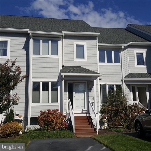 Photo of 1304 OYSTER COVE DR, GRASONVILLE, MD 21638 (MLS # MDQA2001334)