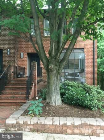 Photo of 7515 BRADLEY BLVD, BETHESDA, MD 20817 (MLS # MDMC683336)