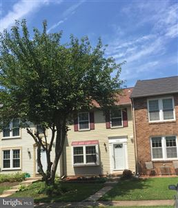Photo of 3925 PLUM RUN CT, FAIRFAX, VA 22033 (MLS # VAFX1070336)