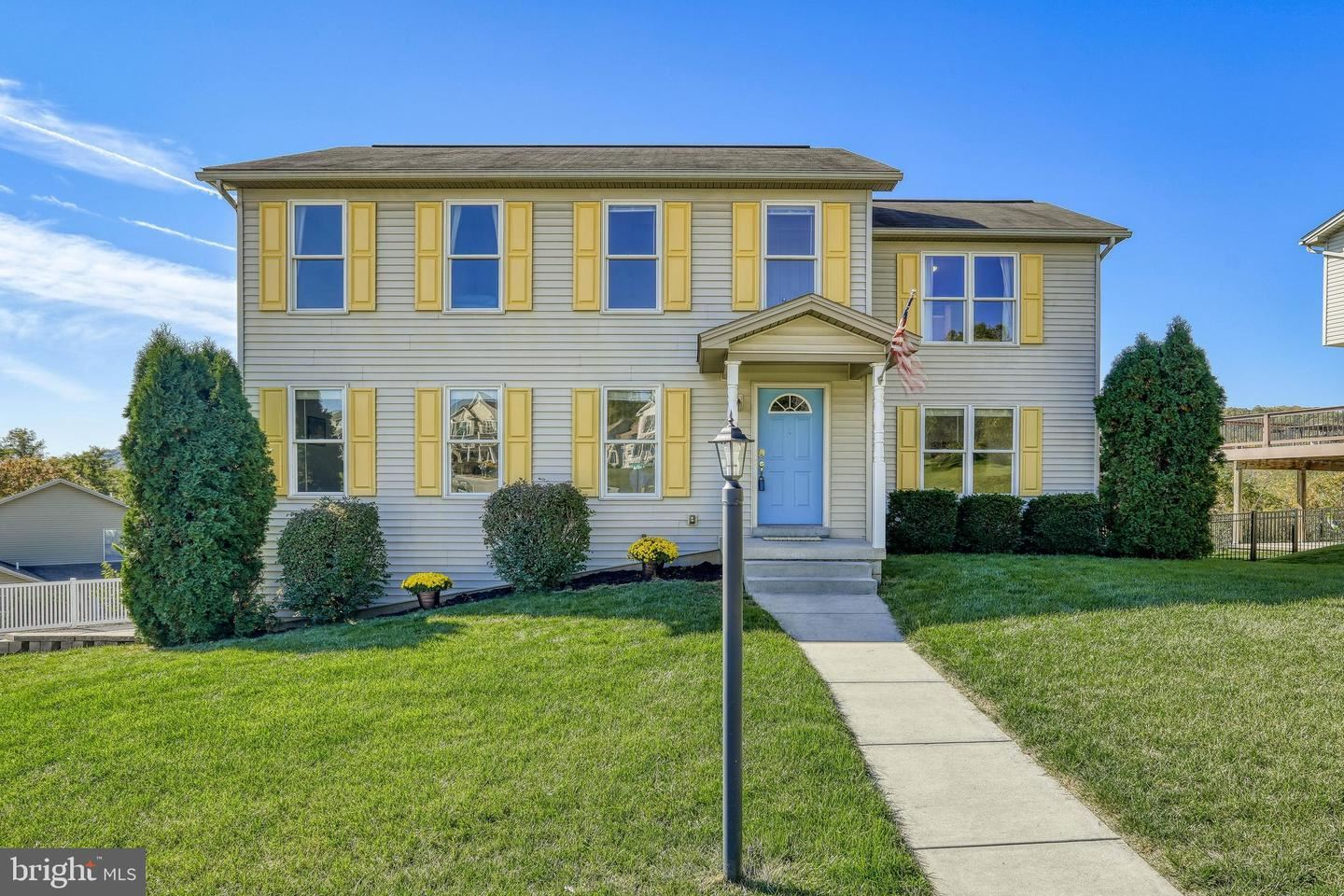 Photo of 411 VALLEY VIEW CIR, NEW CUMBERLAND, PA 17070 (MLS # PAYK147336)