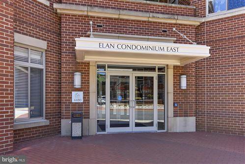 Photo of 4480 MARKET COMMONS DR #305, FAIRFAX, VA 22033 (MLS # VAFX2001337)