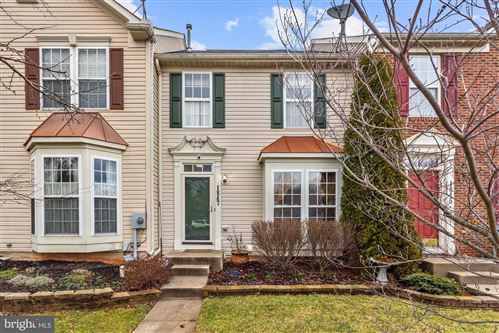 Photo of 1847 COUNTRY RUN WAY, FREDERICK, MD 21702 (MLS # MDFR259342)