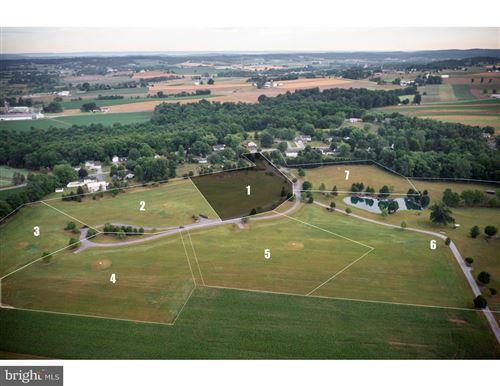 Photo of 45 JAMESFIELD PLACE (HOMESITE NO 1), MANHEIM, PA 17545 (MLS # PALA2003342)