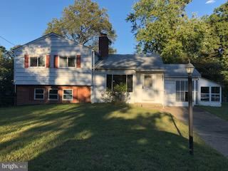 Photo of 303 INDIAN HEAD AVE, INDIAN HEAD, MD 20640 (MLS # MDCH111344)