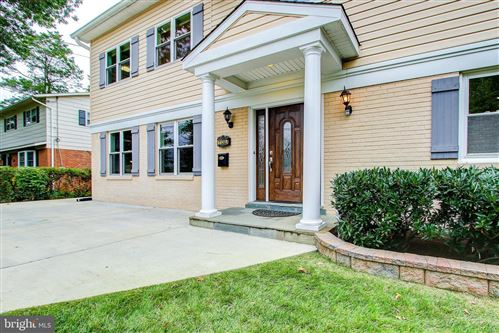 Photo of 11307 GAINSBOROUGH RD, POTOMAC, MD 20854 (MLS # MDMC726344)