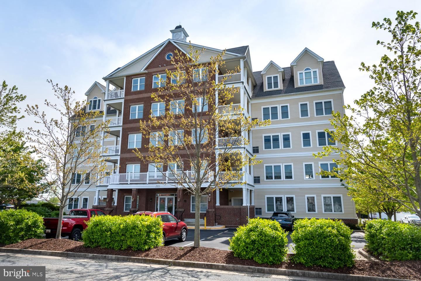 Photo of 301 MUIR ST #404, CAMBRIDGE, MD 21613 (MLS # MDDO125344)
