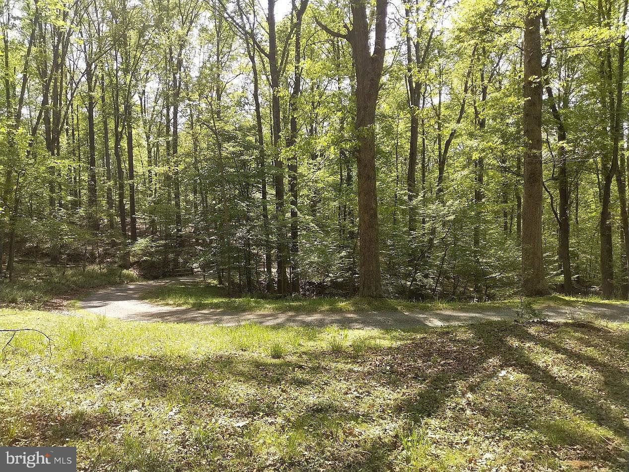 Photo of 14103 BERRYVILLE RD, DARNESTOWN, MD 20874 (MLS # MDMC695344)