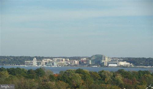 Photo of 2059 HUNTINGTON AVE #809, ALEXANDRIA, VA 22303 (MLS # VAFX1177350)