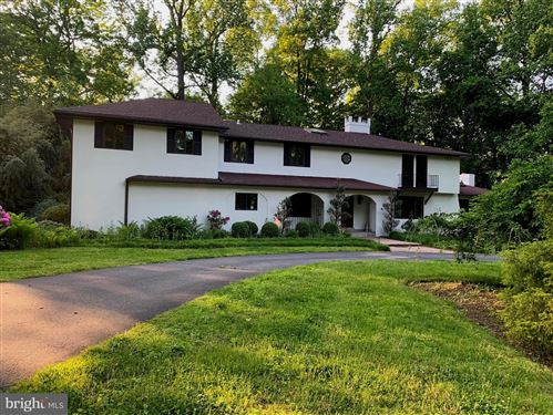 Photo of 3219 GREENE COUNTRIE DR, NEWTOWN SQUARE, PA 19073 (MLS # PADE519352)
