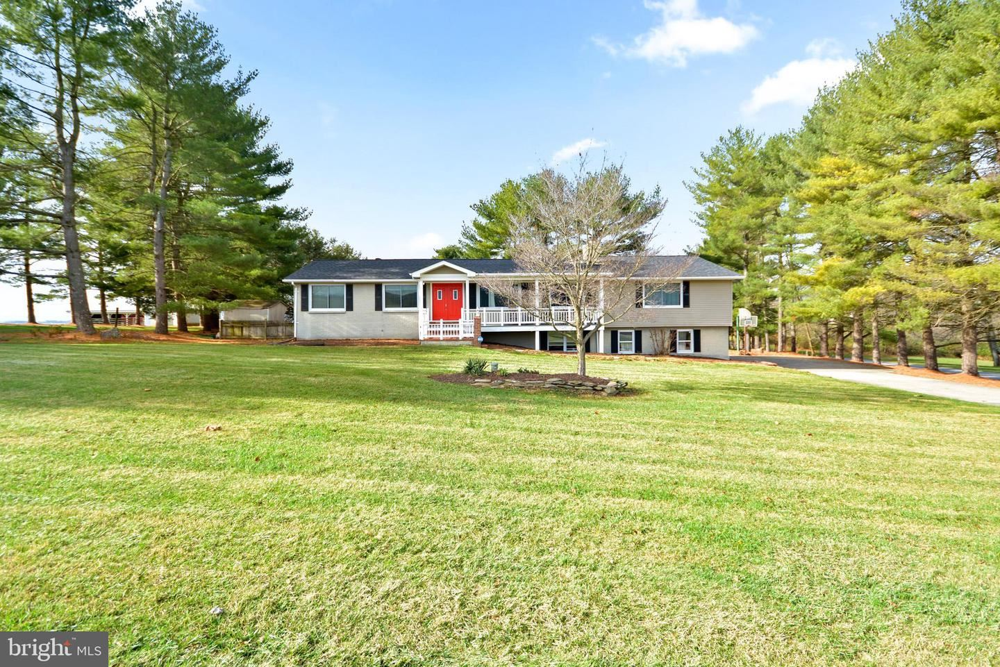 Photo of 8106 PETE WILES RD, MIDDLETOWN, MD 21769 (MLS # MDFR277352)