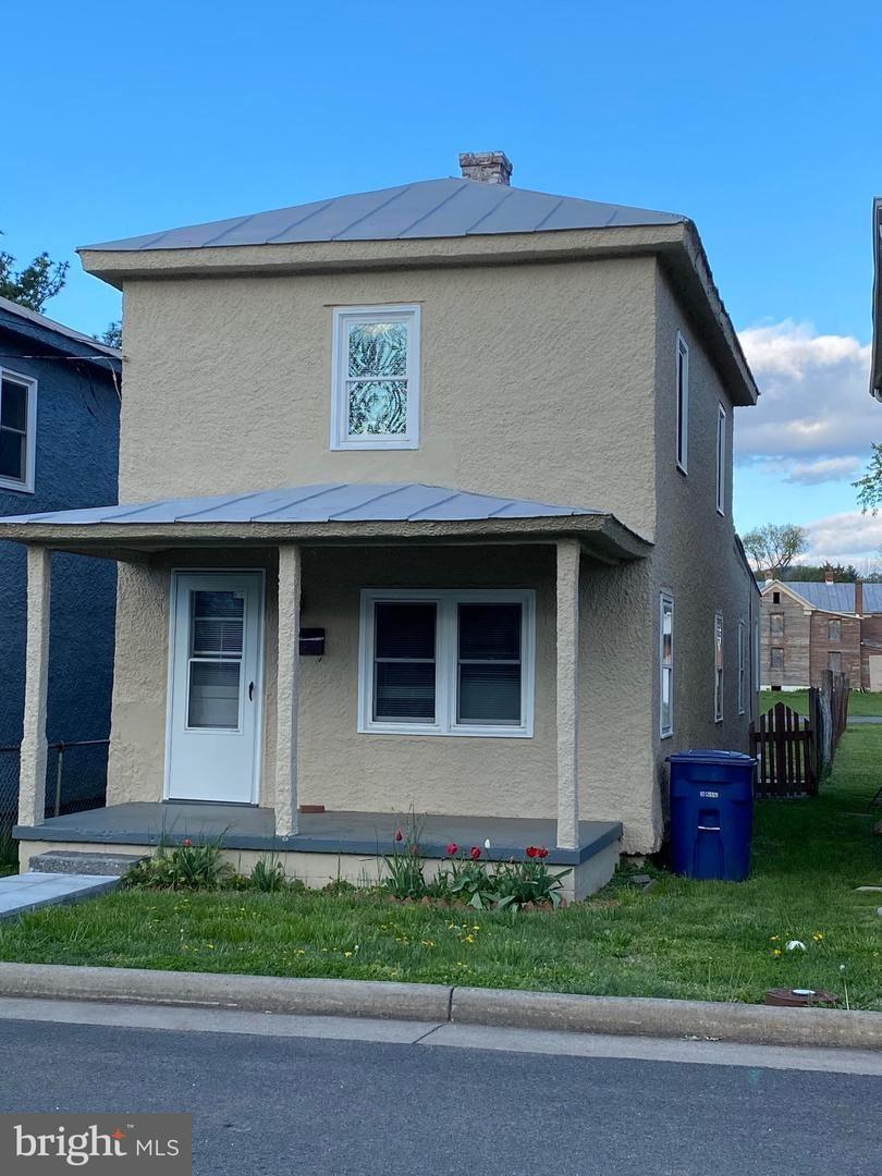 Photo of 324 RITENOUR ST, FRONT ROYAL, VA 22630 (MLS # VAWR143354)
