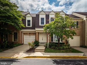 Photo of 10137 CRESTBERRY PL, BETHESDA, MD 20817 (MLS # MDMC674356)