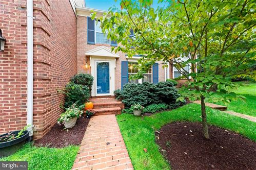 Photo of 8932 BARROWGATE CT, POTOMAC, MD 20854 (MLS # MDMC725356)