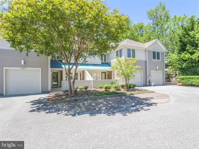 Photo for 33459 LAKESHORE PL #53051, BETHANY BEACH, DE 19930 (MLS # DESU161358)