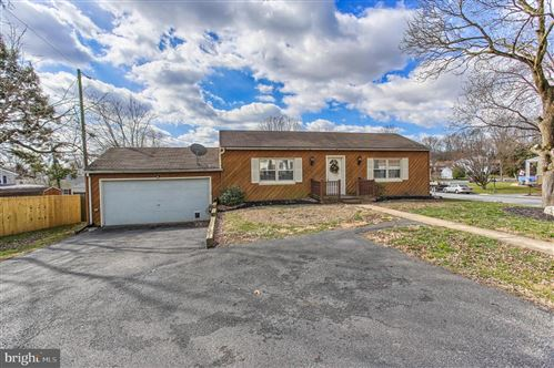 Photo of 102 VILLAGE GREEN LN, LANCASTER, PA 17603 (MLS # PALA159360)
