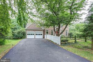 Photo of 305 MIDSUMMER DR, GAITHERSBURG, MD 20878 (MLS # MDMC671364)
