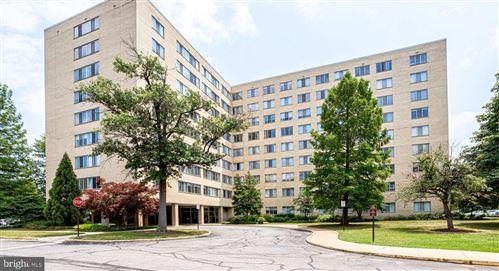 Photo of 6641 WAKEFIELD DR #902, ALEXANDRIA, VA 22307 (MLS # VAFX1140366)