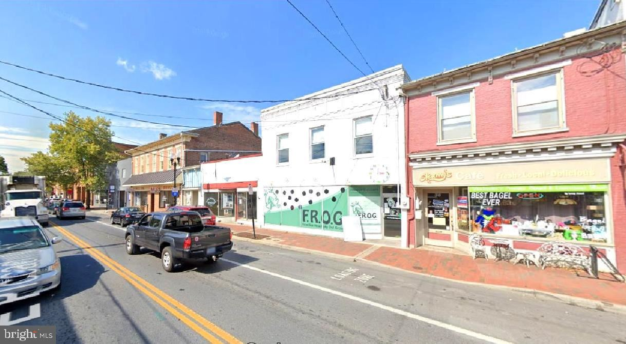 Photo of 32 PICCADILLY ST E, WINCHESTER, VA 22601 (MLS # VAWI116368)