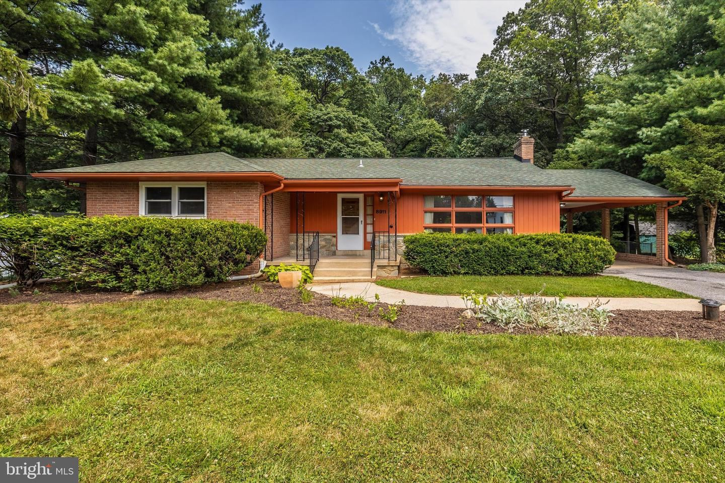 Photo of 8911 YELLOW SPRINGS RD, FREDERICK, MD 21702 (MLS # MDFR2001370)
