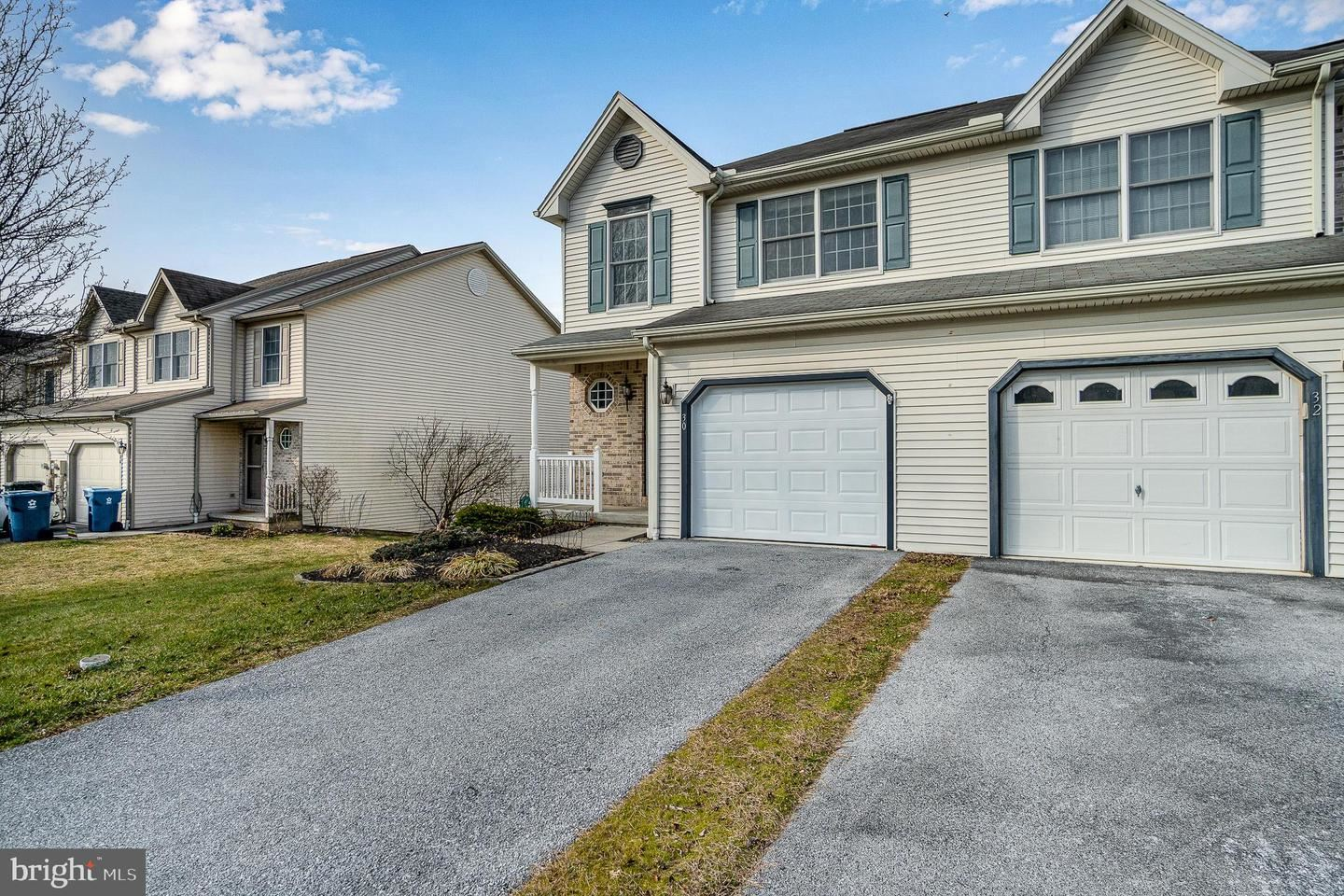 Photo of 30 KEEFER WAY, MECHANICSBURG, PA 17055 (MLS # PACB131370)
