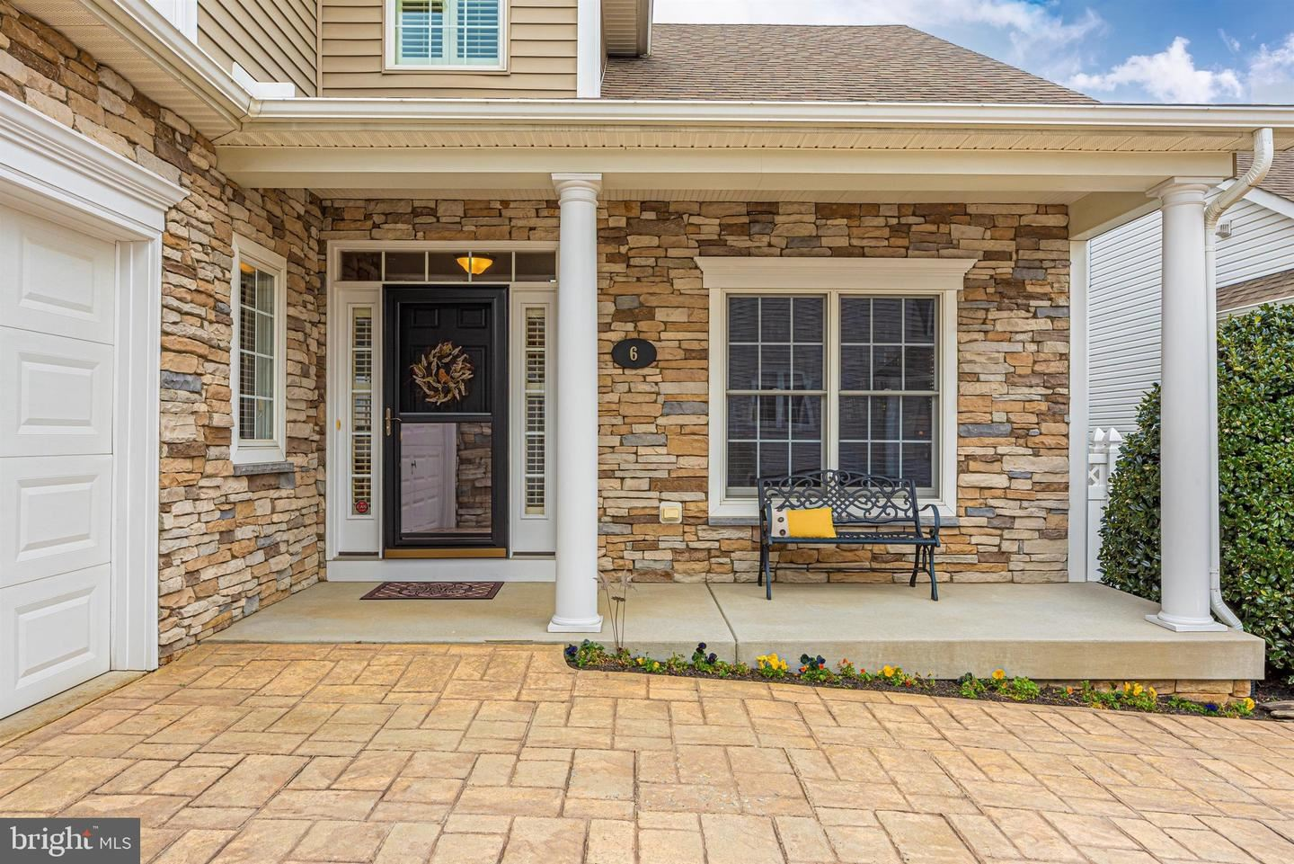 Photo of 6 EVERHART LN, MIDDLETOWN, MD 21769 (MLS # MDFR274372)