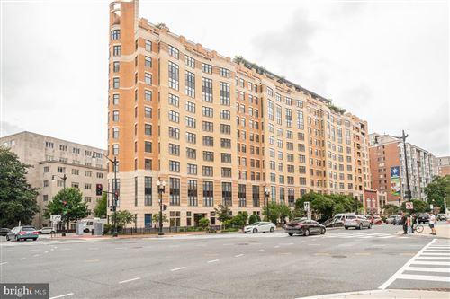 Photo of 400 MASSACHUSETTS AVE NW #704, WASHINGTON, DC 20001 (MLS # DCDC2013374)