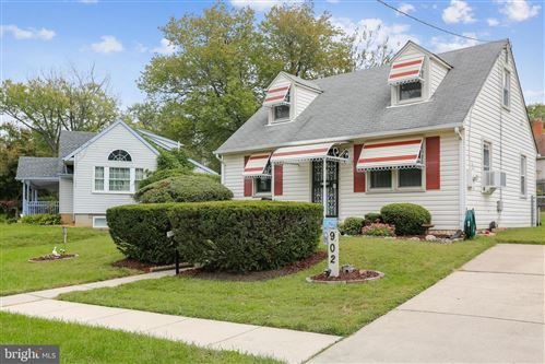 Photo of 902 LEWIS AVE, ROCKVILLE, MD 20851 (MLS # MDMC2018374)