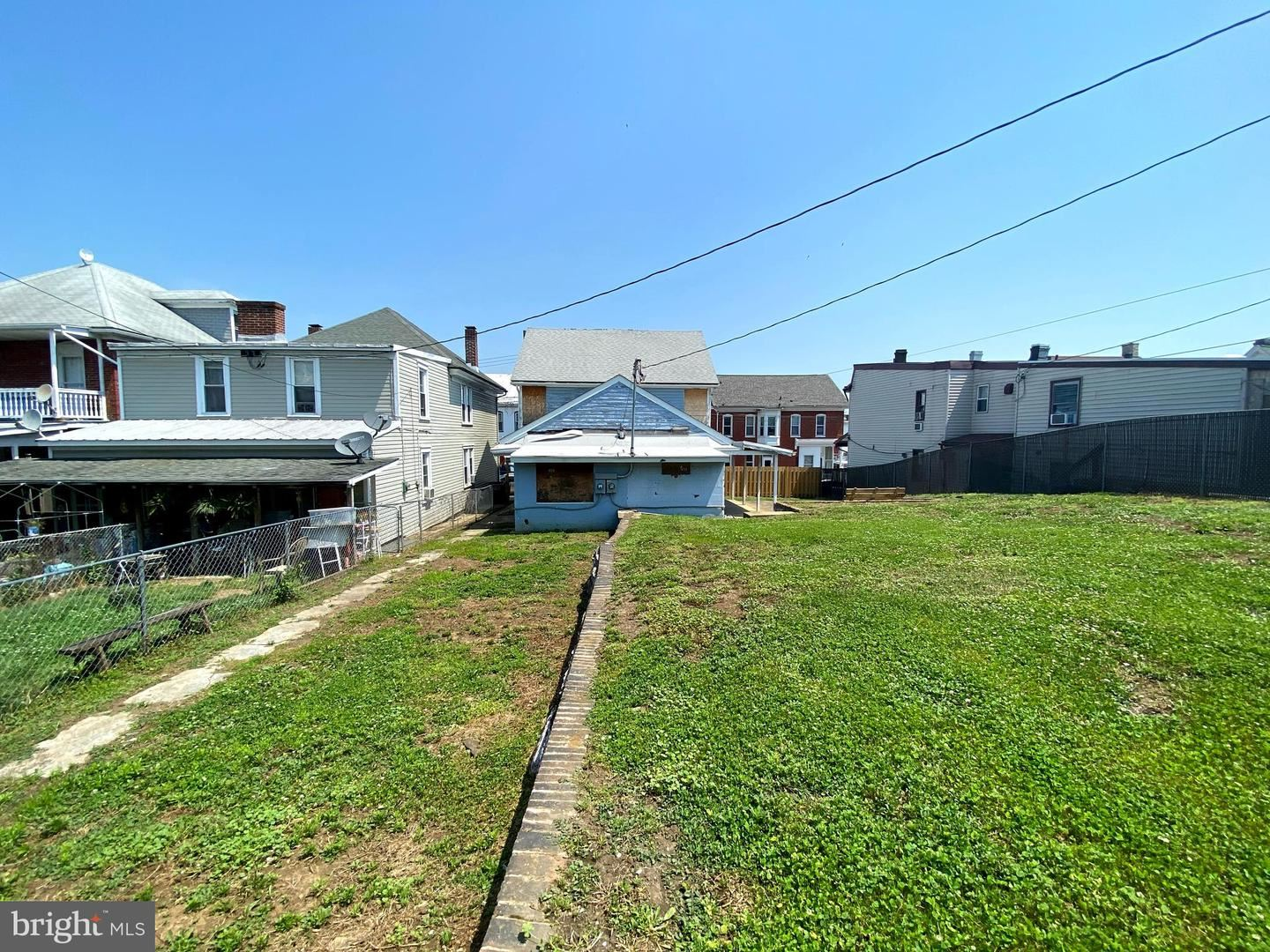 Photo of 607 W CHURCH ST, HAGERSTOWN, MD 21740 (MLS # MDWA180374)