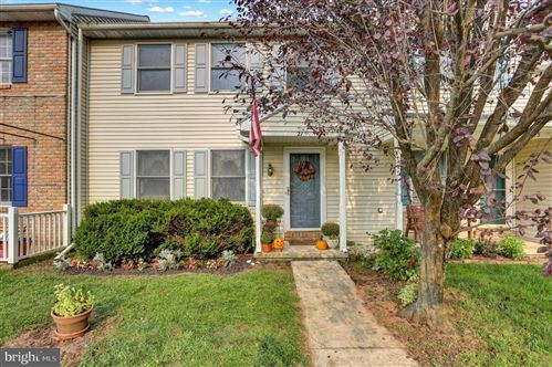 Photo of 21 PARKVIEW DR, REINHOLDS, PA 17569 (MLS # PALA170376)