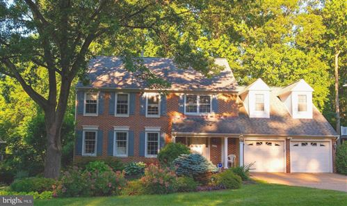 Photo of 7804 WINDY POINT CT, SPRINGFIELD, VA 22153 (MLS # VAFX1115378)