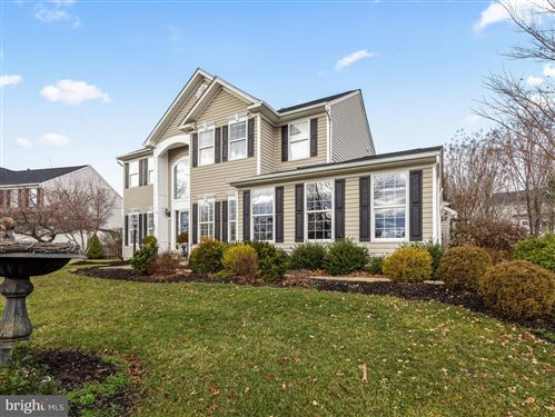 Photo of 717 SUNFLOWER CT, PURCELLVILLE, VA 20132 (MLS # VALO402378)
