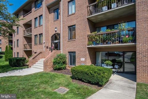 Photo of 11309 COMMONWEALTH DR #T4, ROCKVILLE, MD 20852 (MLS # MDMC723380)