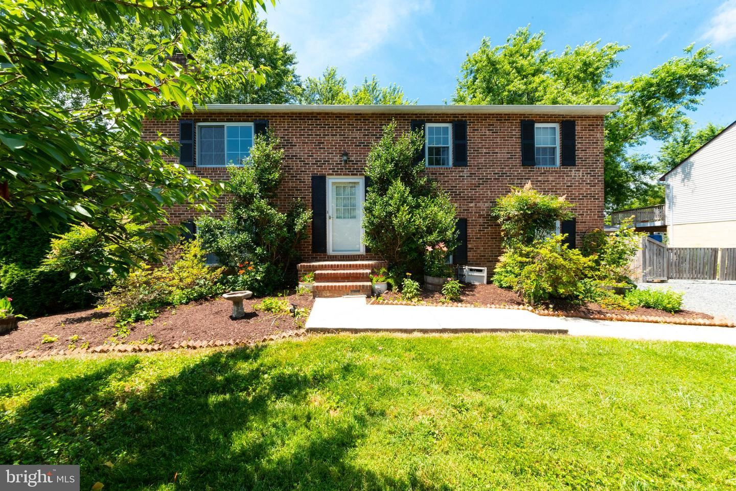 Photo of 13 WILLOW CT, STEVENSVILLE, MD 21666 (MLS # MDQA144382)
