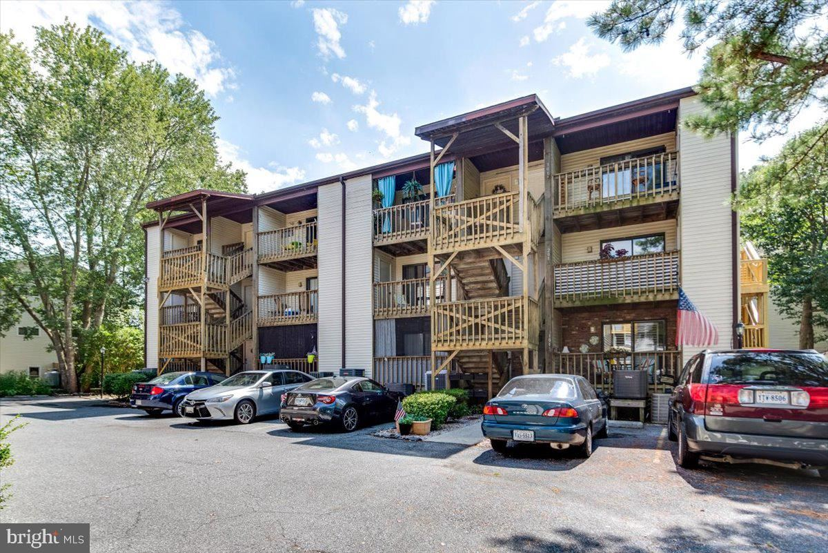 Photo for 14300 JARVIS AVE #B303, OCEAN CITY, MD 21842 (MLS # MDWO2001382)