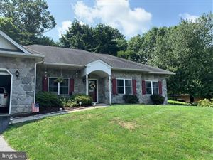 Photo of 210 MAPLE DR, NEW HOLLAND, PA 17557 (MLS # PALA138384)