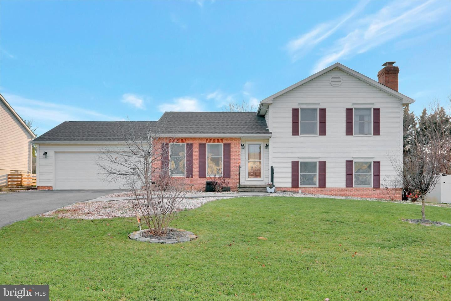 Photo of 13106 ORCHID DR, HAGERSTOWN, MD 21742 (MLS # MDWA176390)