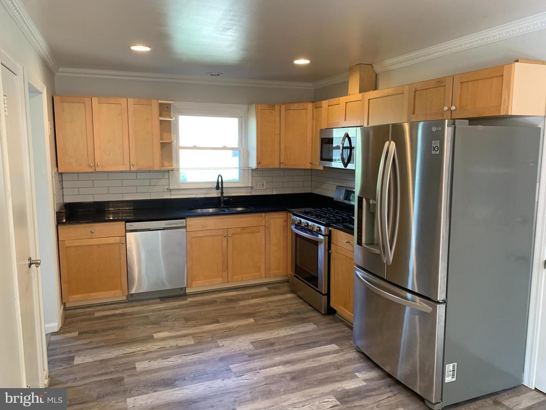 Photo of 6401 RIVINGTON RD, SPRINGFIELD, VA 22152 (MLS # VAFX2026390)