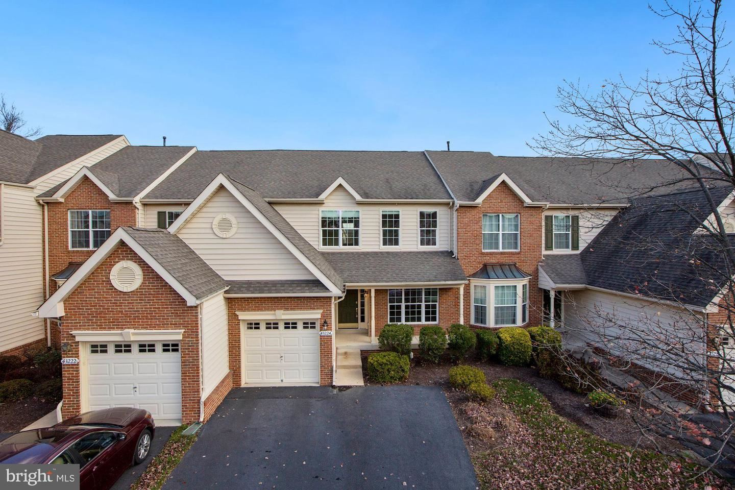 Photo of 43224 SOMERSET HILLS TER, ASHBURN, VA 20147 (MLS # VALO426392)