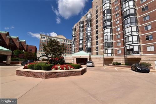 Photo of 24 COURTHOUSE SQ #109, ROCKVILLE, MD 20850 (MLS # MDMC678398)