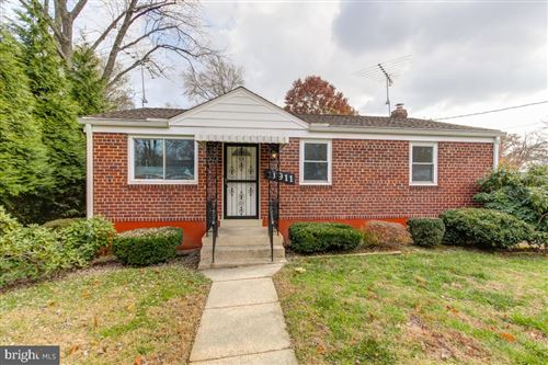 Photo of 11911 ROCKING HORSE RD, ROCKVILLE, MD 20852 (MLS # MDMC686398)