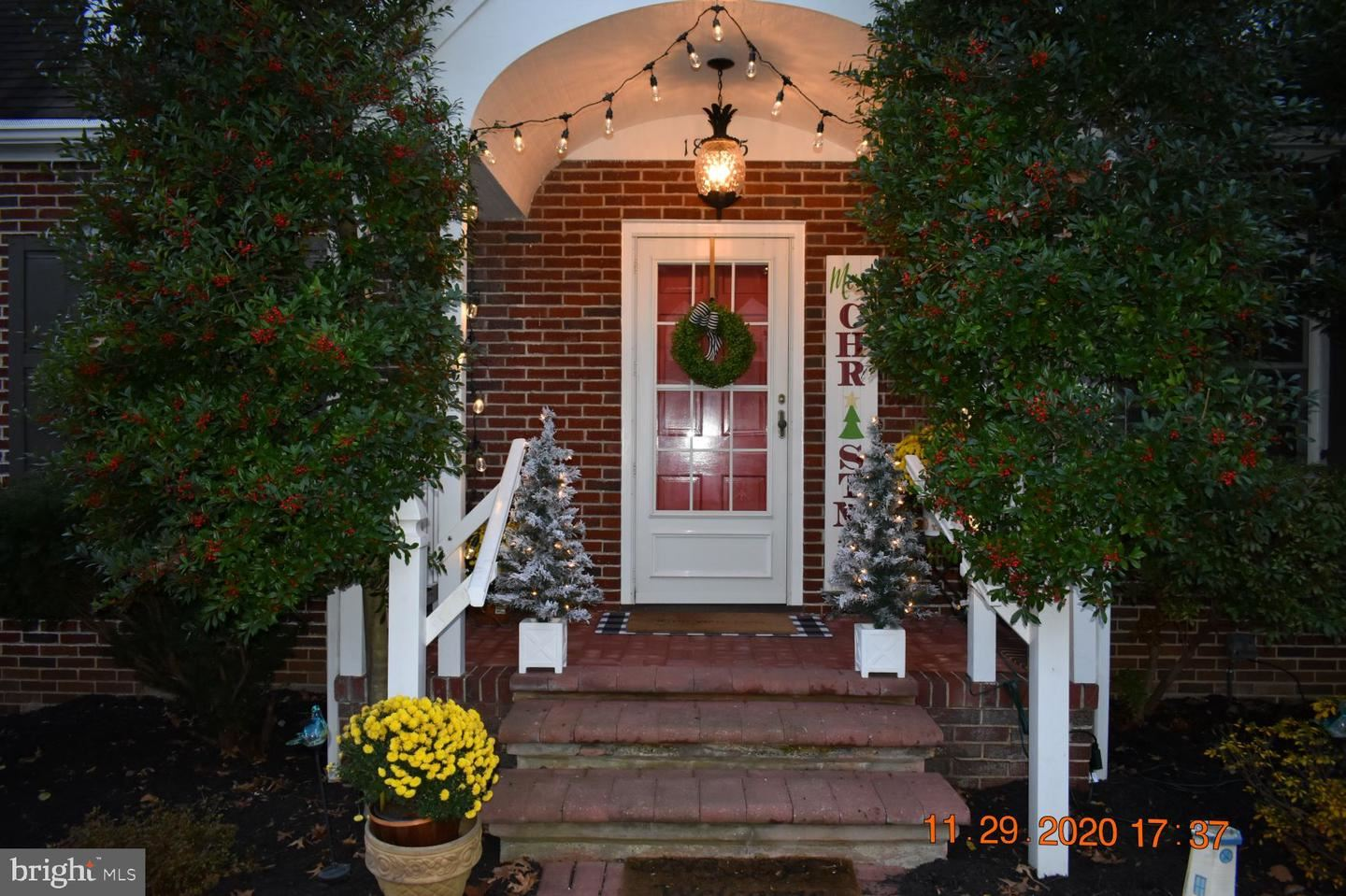 Photo of 18925 ORCHARD TERRACE RD, HAGERSTOWN, MD 21742 (MLS # MDWA176400)