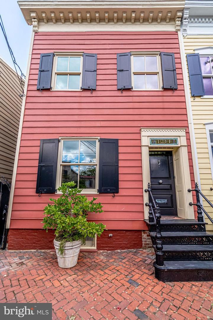 Photo of 1211 PRINCE ST, ALEXANDRIA, VA 22314 (MLS # VAAX248402)